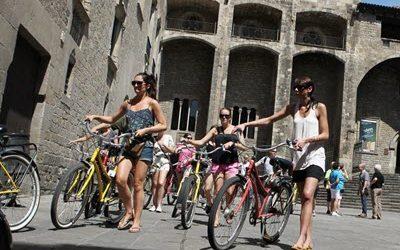 Catalunya, amb 18 M de turistes i un increment del 4,0%, 1a destinació turística de l'Estat espanyol
